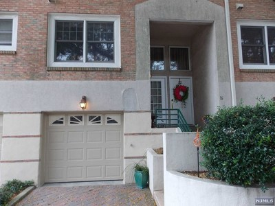 Edgewater Condo/Townhouse Under Contract: 16 Grand Cove Way #16