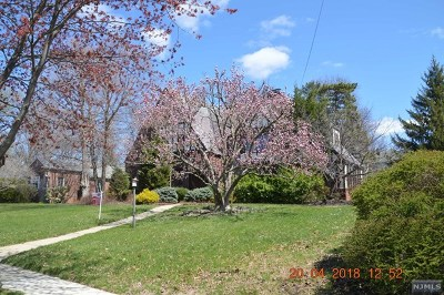 Hackensack Single Family Home Under Contract: 380 Maple Hill Drive