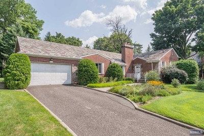 Hackensack Single Family Home Under Contract: 390 Maple Hill Drive