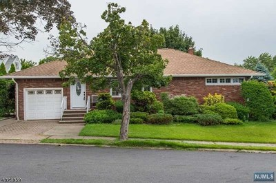 Passaic County Single Family Home Under Contract: 4 Margery Court