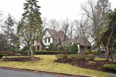 Bergen County Single Family Home Under Contract: 51 Horizon Court