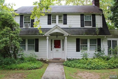 Englewood Single Family Home Under Contract: 210 Fountain Road