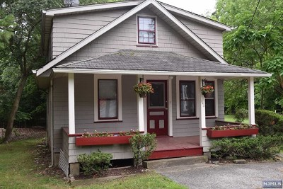 Franklin Lakes Single Family Home Under Contract: 942 Franklin Avenue