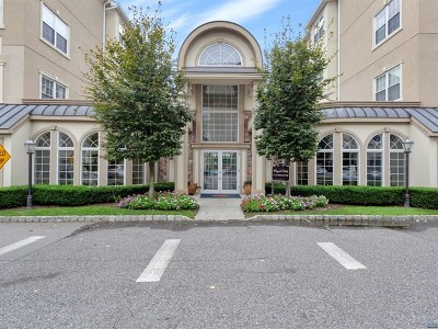 Clifton Condo/Townhouse Under Contract: 4106 Harcourt Road