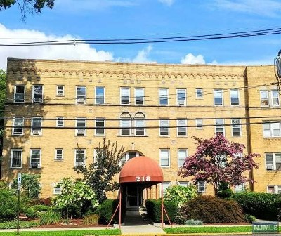 Leonia Condo/Townhouse Under Contract: 218 Broad Avenue #3e