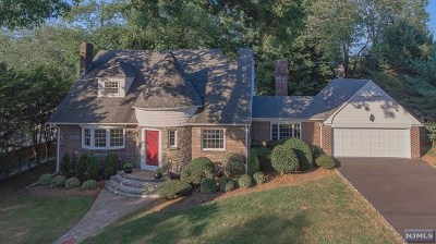Glen Rock Single Family Home Under Contract: 40 Marinus Place