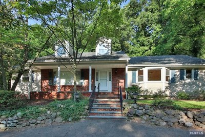 Hawthorne Single Family Home Under Contract: 68 Highview Terrace