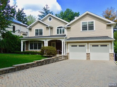 Paramus Single Family Home Under Contract: 261 Addison Place