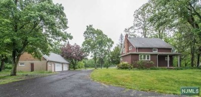 Morris County Single Family Home Under Contract: 271 Two Bridges Road