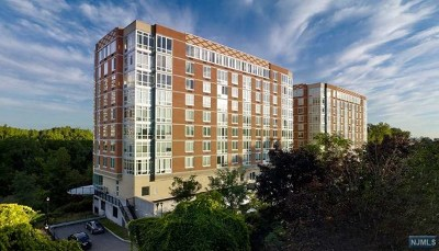 Bergen County Condo/Townhouse Under Contract: 600 12th Street #608