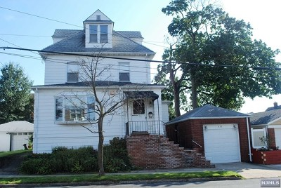 Elmwood Park Single Family Home Under Contract: 337 Viviney Street