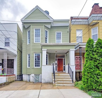 Hudson County Condo/Townhouse Under Contract: 137 Oak Street #C1