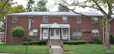 Fort Lee NJ Condo/Townhouse Under Contract: $139,000