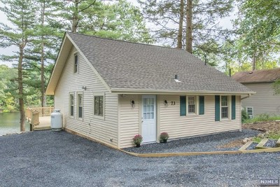 West Milford Single Family Home Under Contract: 73 Goldfinch Lane