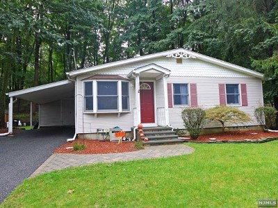 Oakland Single Family Home Under Contract: 680 Ramapo Valley Road