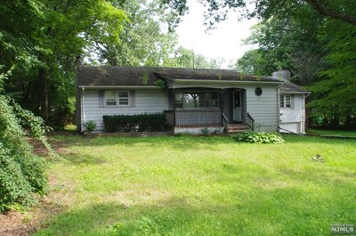 West Milford Single Family Home Under Contract: 11 Gold Lane