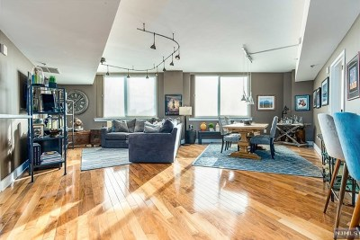 Hudson County Condo/Townhouse Under Contract: 800 Jackson Street #509