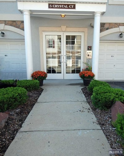 Passaic County Condo/Townhouse Under Contract: 5 Crystal Court