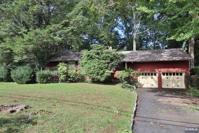 Hillsdale Single Family Home Under Contract: 32 Saddlewood Drive