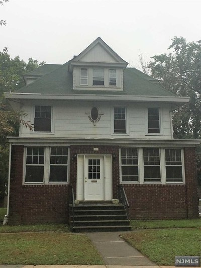 Essex County Single Family Home Under Contract: 22 Berkeley Heights Park