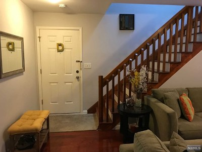 Fort Lee Condo/Townhouse Under Contract: 1439 John Street #1439