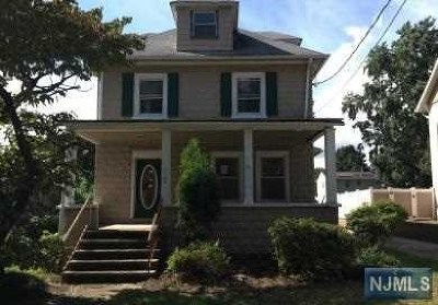 New Milford NJ Single Family Home Under Contract: $269,900