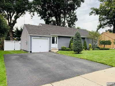 New Milford Single Family Home Under Contract: 624 Fermery Drive