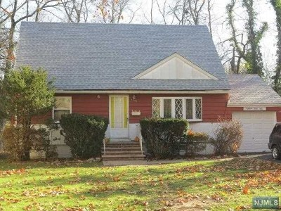 Teaneck Single Family Home Under Contract: 1839 Ivy Court