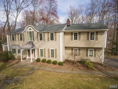 Woodcliff Lake Single Family Home Under Contract: 63 Old Farms Road