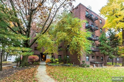 Fort Lee Condo/Townhouse Under Contract: 3061 Edwin Avenue #3b