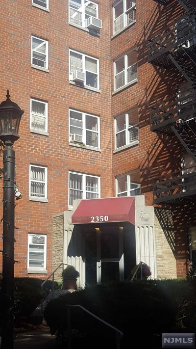 Fort Lee NJ Condo/Townhouse Under Contract: $269,500