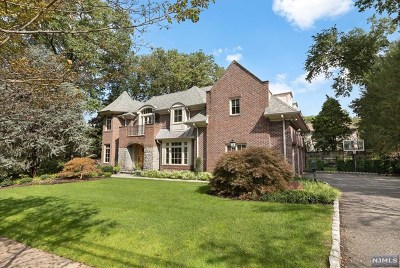 Closter Single Family Home Under Contract: 17 Pinehill Road