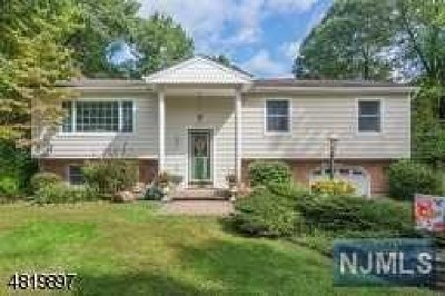 West Milford Single Family Home Under Contract: 65 North Mountain Circle