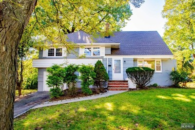 Teaneck Single Family Home Under Contract: 858 Barbara Drive