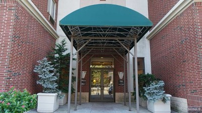 Edgewater Condo/Townhouse Under Contract: 5404 City Place #5404