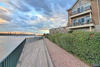Edgewater Condo/Townhouse Under Contract: 44 Grand Cove Way
