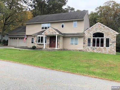 Passaic County Single Family Home Under Contract: 127 South Mountain Circle