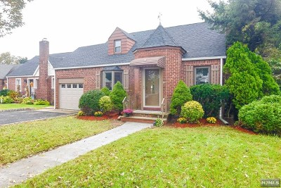 Fair Lawn NJ Single Family Home Under Contract: $430,000