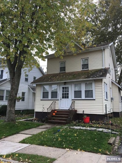Teaneck Single Family Home Under Contract: 280 Farrant Terrace