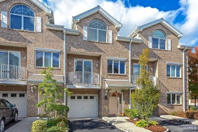 Lyndhurst Condo/Townhouse Under Contract: 630 Valley Brook Avenue #2