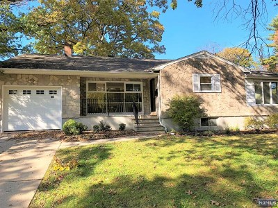Englewood Single Family Home Under Contract: 578 Overlook Place