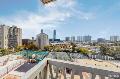 Fort Lee Condo/Townhouse Under Contract: 2000 Linwood Avenue #10s
