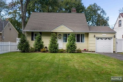 Bergenfield Single Family Home Under Contract: 44 Chestnut Street