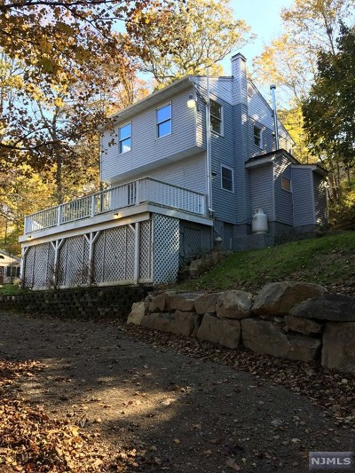 West Milford Single Family Home Under Contract: 84 Riverside Road