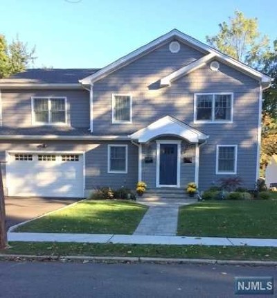 New Milford Single Family Home Under Contract: 351 Marguerite Street