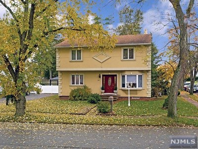 Pompton Lakes Single Family Home Under Contract: 142 Haroldson Place