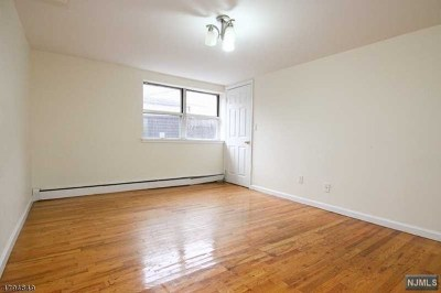 Hudson County Condo/Townhouse Under Contract: 3600 Charles Court #25