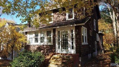 Teaneck Single Family Home Under Contract: 539 Kenwood Place