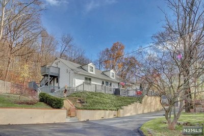 Oakland Single Family Home Under Contract: 18 Ramapo Valley Road