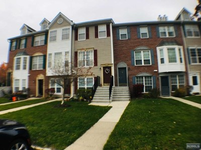 Mahwah NJ Condo/Townhouse Under Contract: $335,000